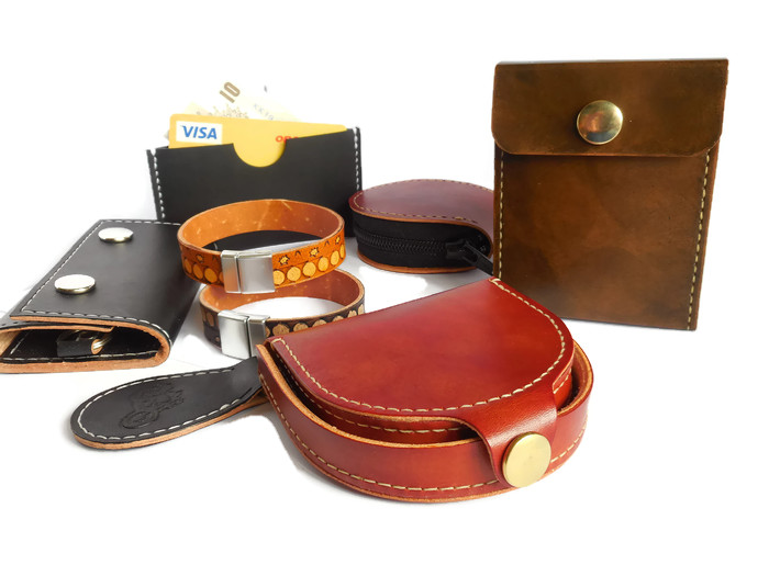 Handmade Leather Gifts for Him Men Made in Great Britain by UKHandcraft